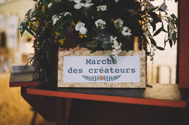 Lovetralala Kiss the Bride festival mariage Bruxelles - marché des créateurs - pancarte et fleurs