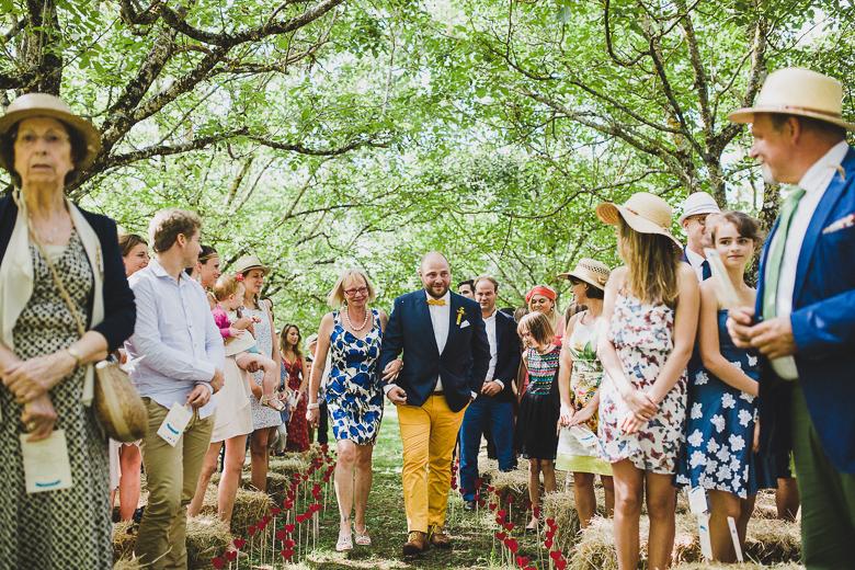 Love & Tralala Mariage champêtre en Dordogne - cérémonie d'engagement en plein air